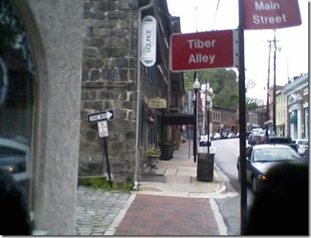 Tiber Alley
